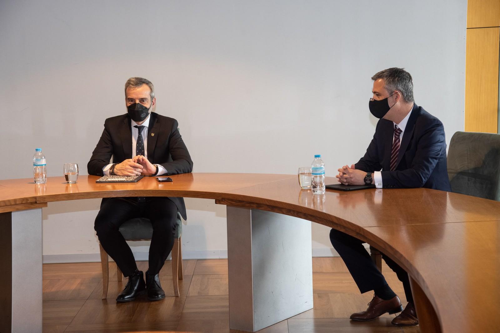 """Συνάντηση του Δημάρχου Θεσσαλονίκης Κ. Ζέρβα με τον Γ.Γ. Υπηρεσιών Υγείας: Η σωστή κινητικότητα """"κλειδί"""" για την αντιμετώπιση της πανδημίας"""