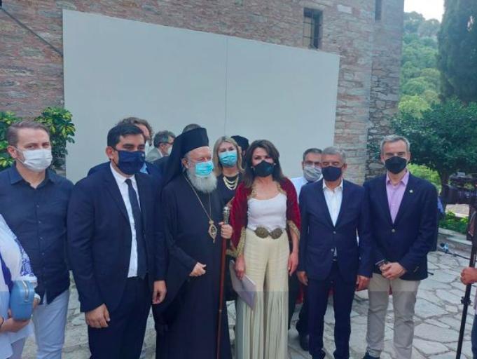 Σε μοναστήρι της Σκιάθου υφάνθηκε η πρώτη γαλανόλευκη της επανάστασης
